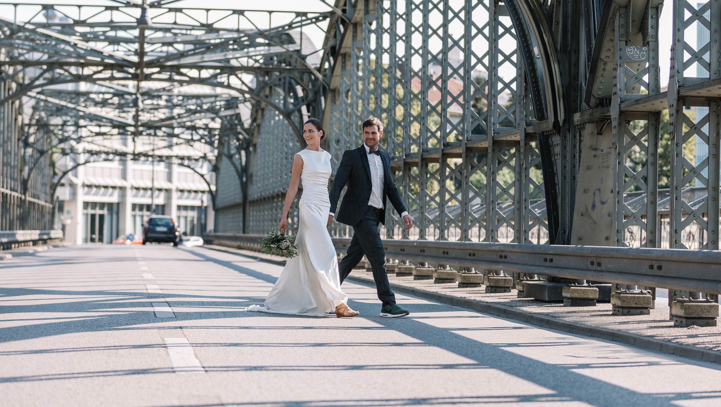München Hochzeitskleid und Hochzeitsanzug